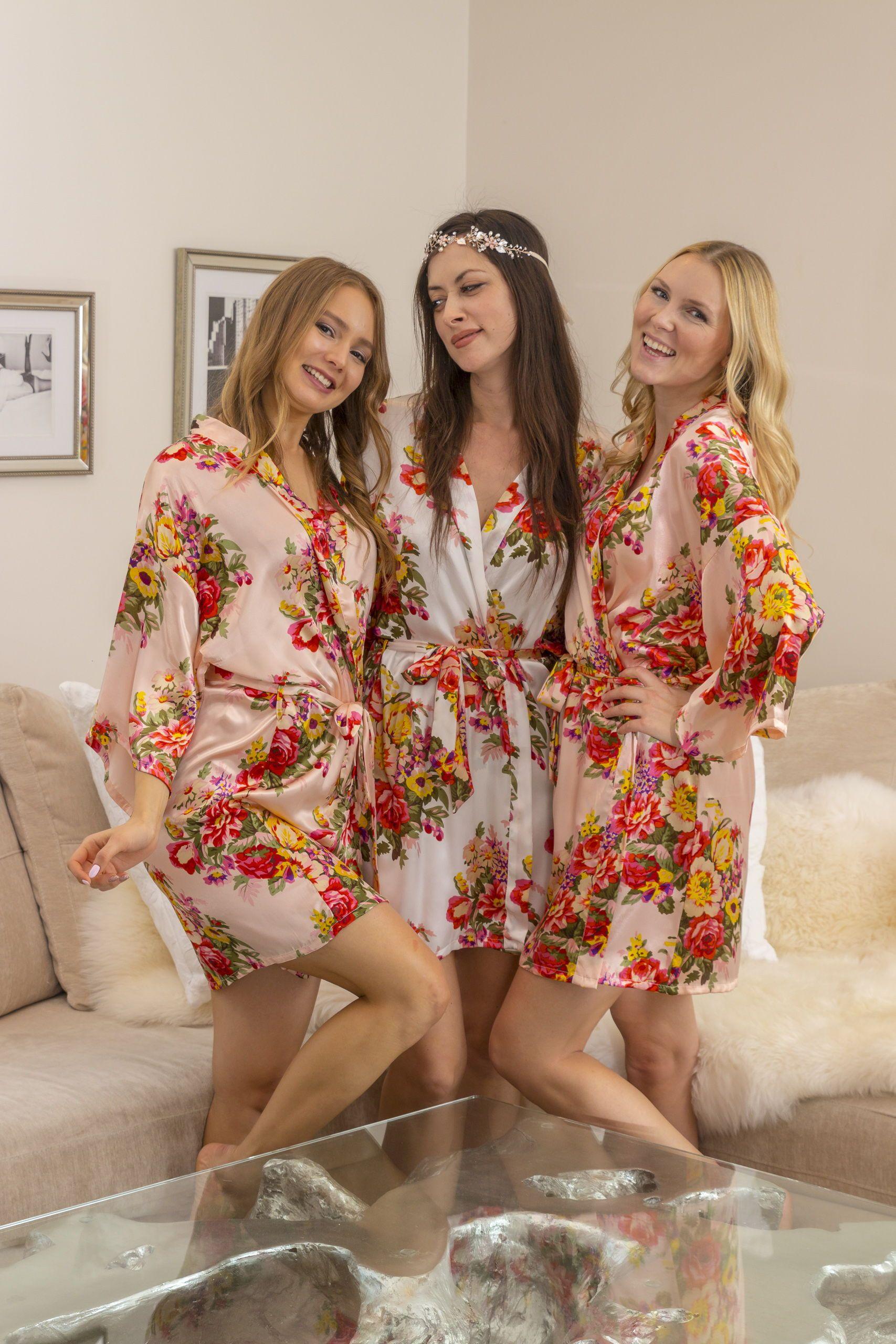 20.00 Sabrina Blush   Ivory Floral Bridesmaid Satin Robe  2f3418d7c
