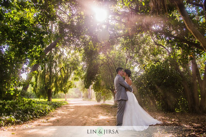 Amazing Lighting Los Angeles Arboretum Wedding In Arcadia Vuy And Jen