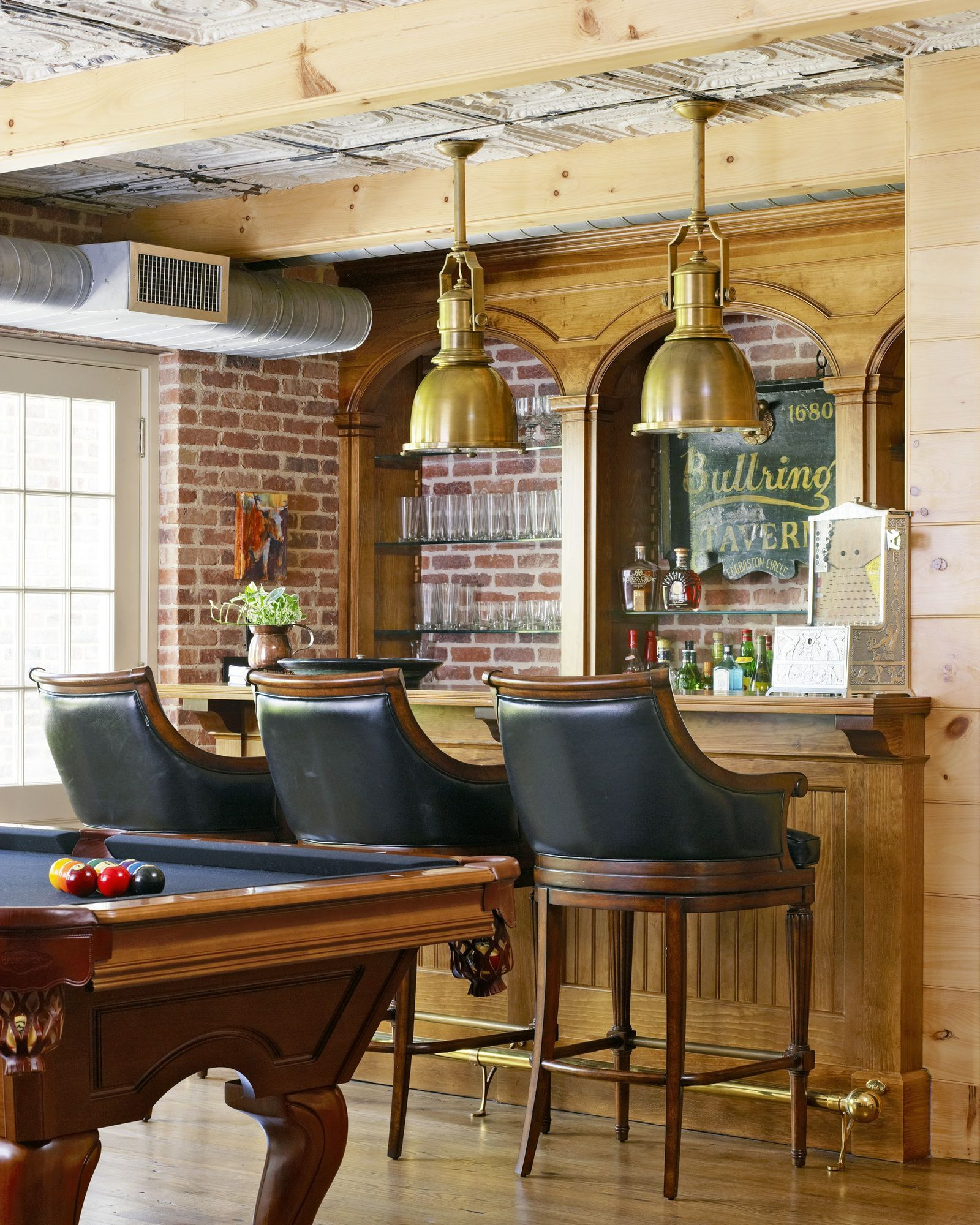 Creative Home Bar Designs That Will Make Your Neighbors