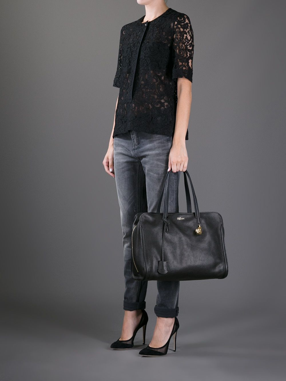 95b98b8862 Alexander McQueen Skull Padlock Top Handle Bag