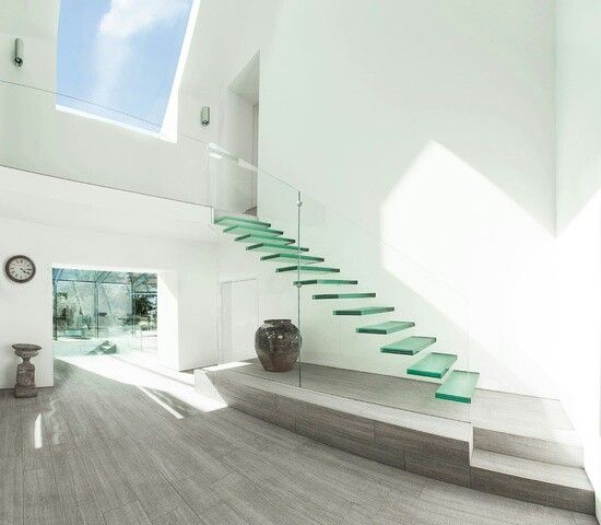 40 Trending Modern Staircase Design Ideas And Stair Handrails: Floating Glass Staircase (With Images)