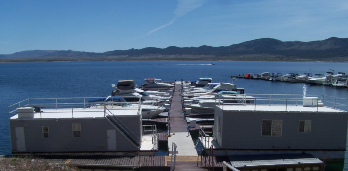 These Floating Cabins In Utah Are The Ultimate Place To Stay Overnight This Summer Stay Overnight Utah Vacation Houseboat Rentals
