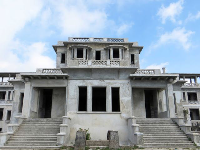 sconzani: the solitary stroller: The ghosts of Bokor Hill