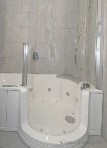 badewanne mit duschzone und whirlpool in oststeinbek bei. Black Bedroom Furniture Sets. Home Design Ideas