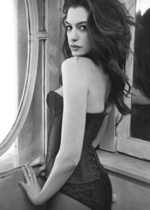Sexy pics of anne hathaway