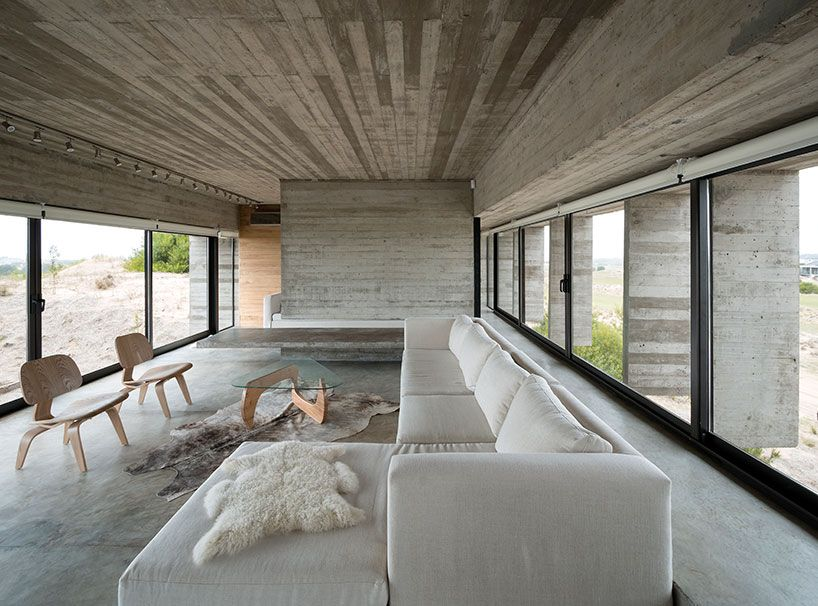 Casa Golf From Concrete Planes by Luciano