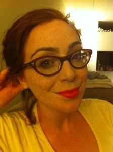 sexy librarian glasses.  I want!