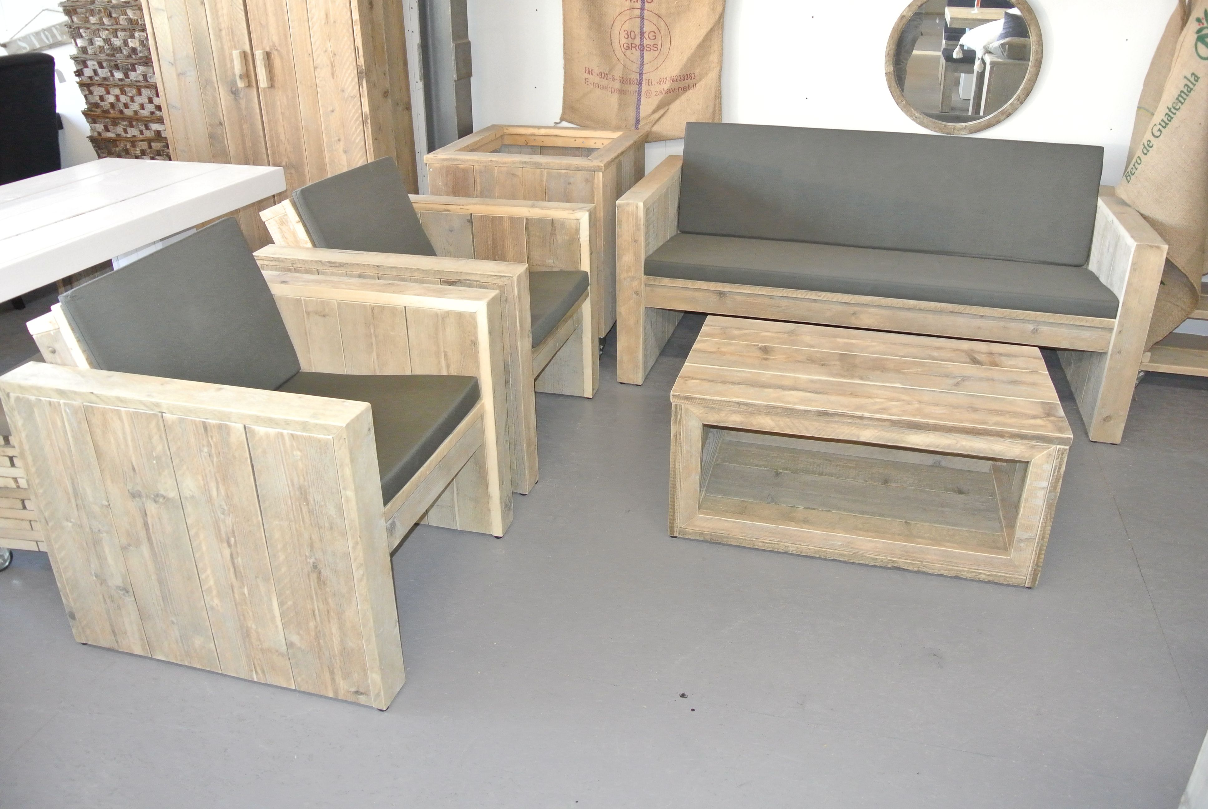 Vinyl Steigerhout Look : This is for outside! loungeset gemaakt van steigerhout alles kan