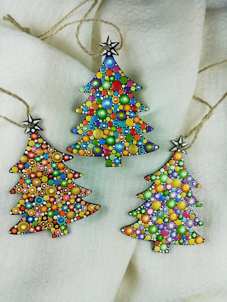 Number 8 Christmas Tree Ornaments Dot Art Christmas Ornaments Set Of 3 Silver Snowfall In 2020 Christmas Mandala Christmas Mosaics Christmas Ornaments