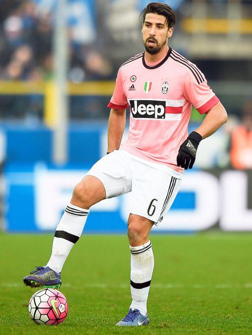 Juventus La Vecchia Signora Juventus Sami Khedira Football