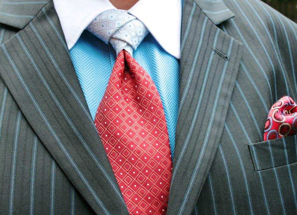 """Tommy Hilfiger """"contrast tail"""" tie. Knot is a slight variant of the Eldredge"""