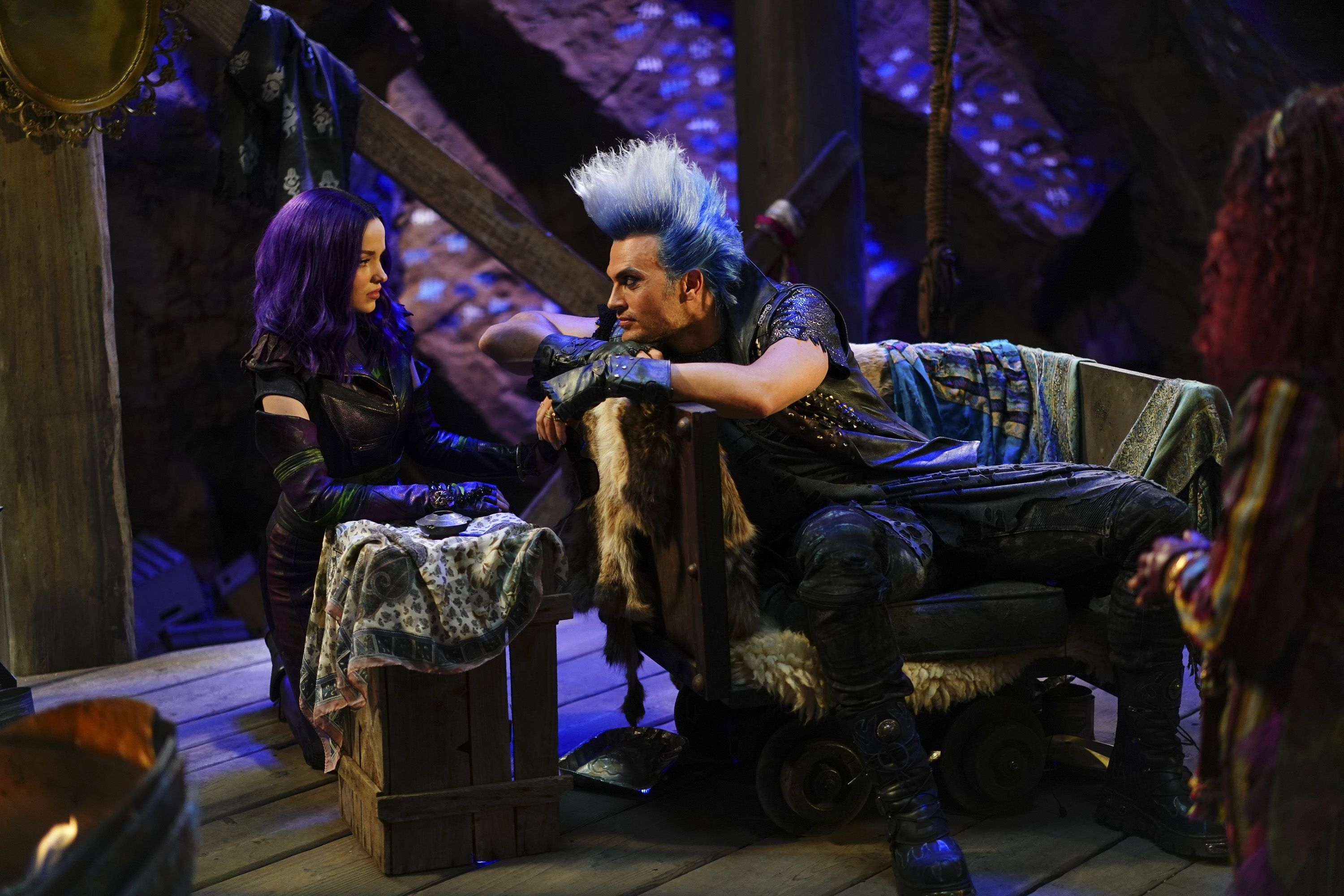 Early Look: Disney Channel Shares New Photos Ahead Of Descendants 3 Premiere #descendants3