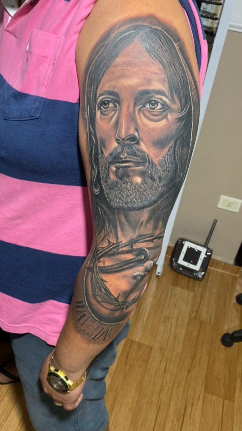 """Tandu Tattoo since 2003 on Instagram: """"Tatuagem simbolizando a fé feita em 5 horas com muito amor e dedicação a Arte  #jesús #tattoorealism #tttoorealismo #condominioacapulco…"""""""
