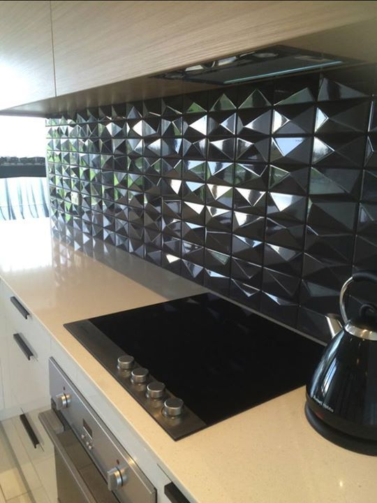 Adding Life To Your Home With Wow Private Apartment In Newzeland Peak By Subway Lab Wow Unexpectedsurfaces Www Wowdesigne Painting Tile Subway Home
