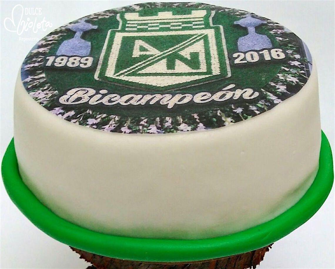 Torta para hincha del nacional...¡una sorpresa de cumpleaños muy original!