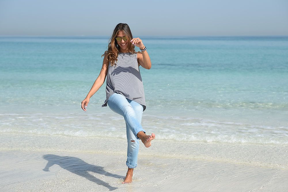 Chic Flavours wearing Old Navy affordable Boyfriend Jeans in Abu Dhabii