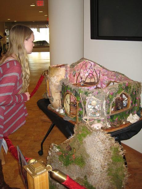 Christmas with holly hallmark movie adorable fairy for Hallmark fairy door