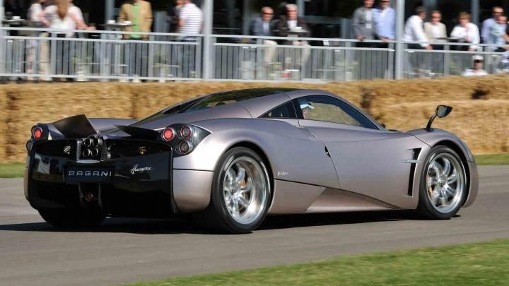 The Pagani Huayra Ounced Wire Ra Is A Boutique Offering From Small Italian Company Specialising In Carbon Fibre Supercars