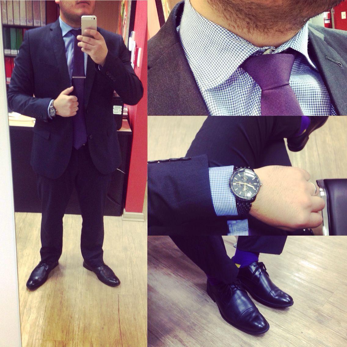 Corbata morada + camisa a cuadros azules + traje negro #menstyle ...