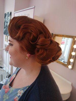 Vintage 1940 S Side Bun Hair By Sophie Battersby Hair Styles Vintage Hairstyles 1940s Hairstyles