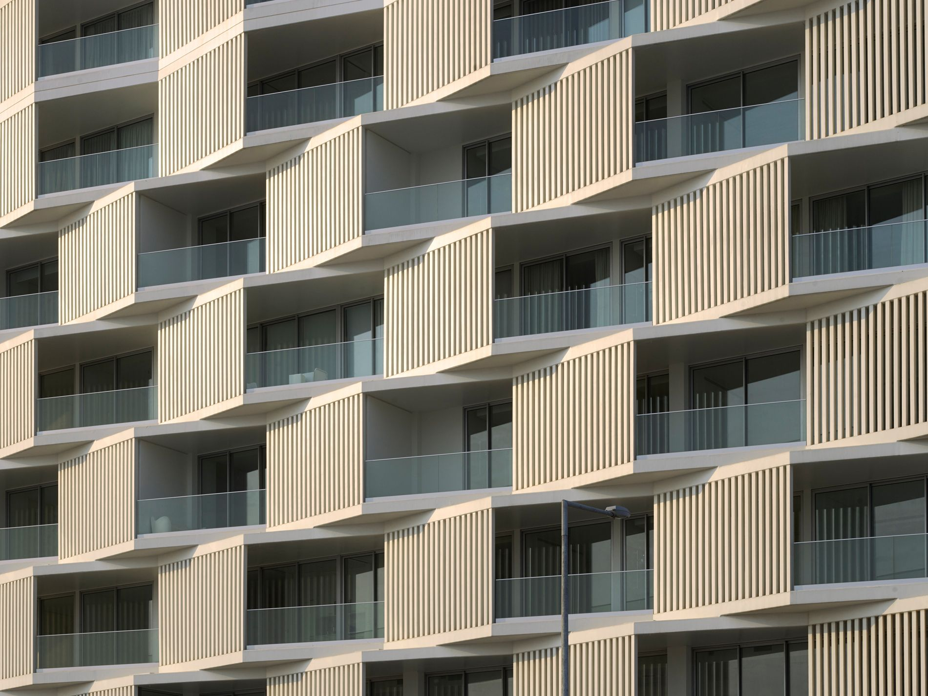 17afb0e575e895d99f0e184b9a7f5901 522 best balconies images on pinterest balconies, architecture  at gsmportal.co