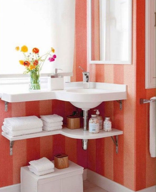 Astuce Petite Salle De Bain Rangement Sous Le Lavabo Small Bathroom Diy Corner Sink Bathroom Tiny Bathrooms
