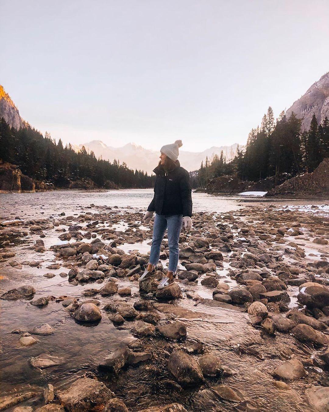 Lizadams Wearing Our Melrose Jacket In Canada This Weekend Penfield Canada Melrosejacket Natural Landmarks Photo Scenes [ 1350 x 1080 Pixel ]