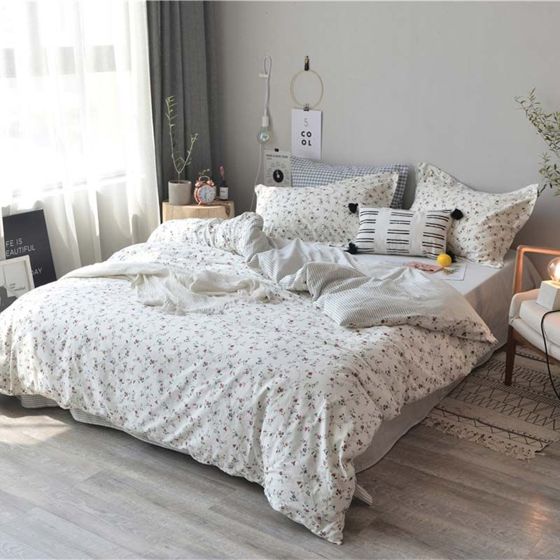 Photo of Japanese Simple Bedding Set Rural Little Flower Bedclothes Soft Pure Cotton 4pcs…