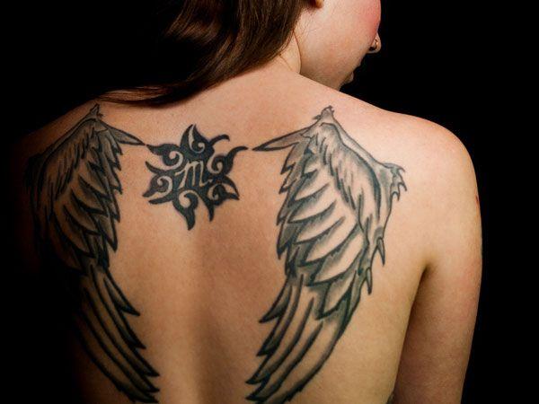 tatouage ailes d 39 ange dos tatouages pinterest tatouage ailes ailes de poulet et. Black Bedroom Furniture Sets. Home Design Ideas