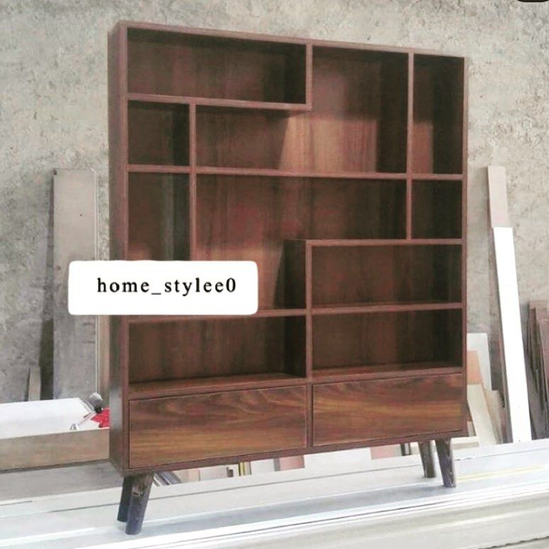 Pin By Julie Pickle On مدخل Home Decor Bookcase