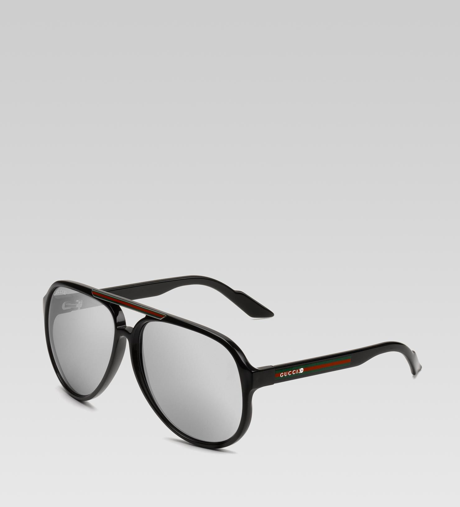 17b21adc32a Gucci mens 3D glasses with gucci 3D detail and signature web on temple 1  600x661