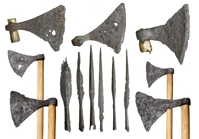 what were viking weapons made of The viking axe was a very common weapon everyone owned a wood cutting axe that could be used as a dangerous weapon other axes were designed specifically for war.