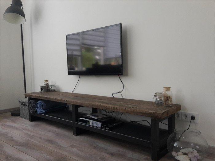 Tv Meubel Zwart Staal.Tv Meubel Staal Industrieel Zwart Noten Hillshome