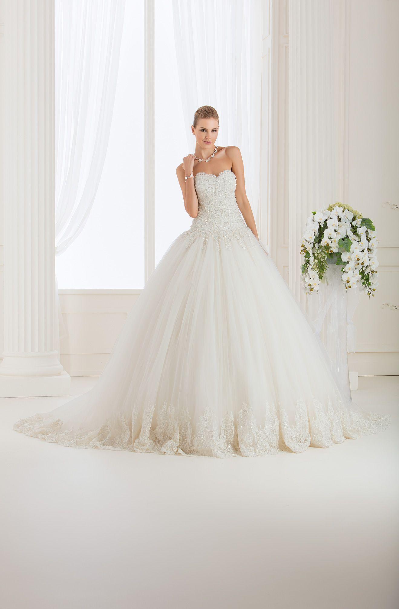 97eda80b20d8 Abiti da sposa impero couture 2017