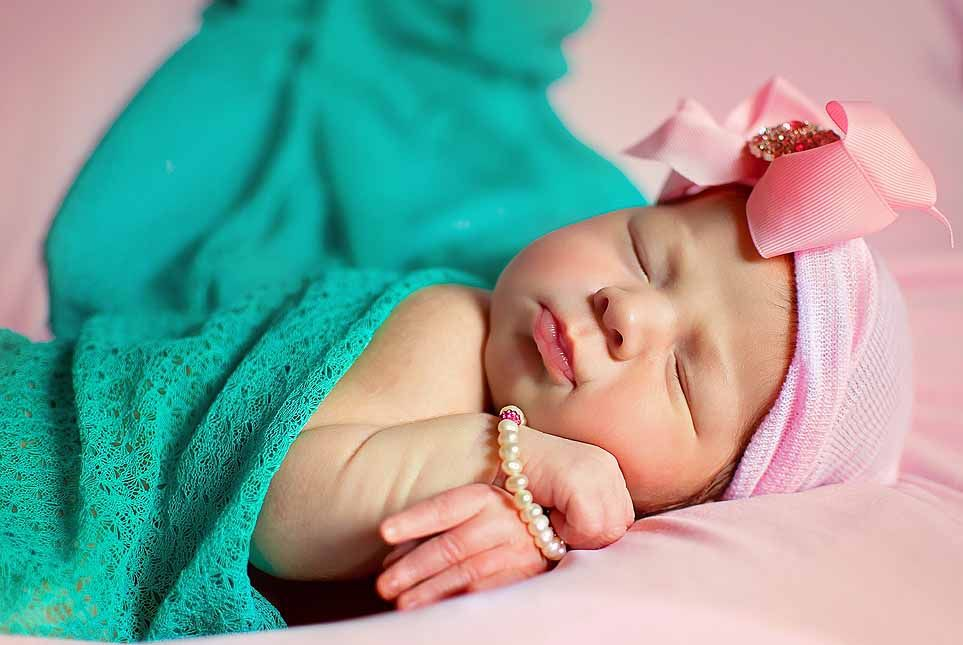 Love the colors in this Newborn photo - Erika Michelle Photography