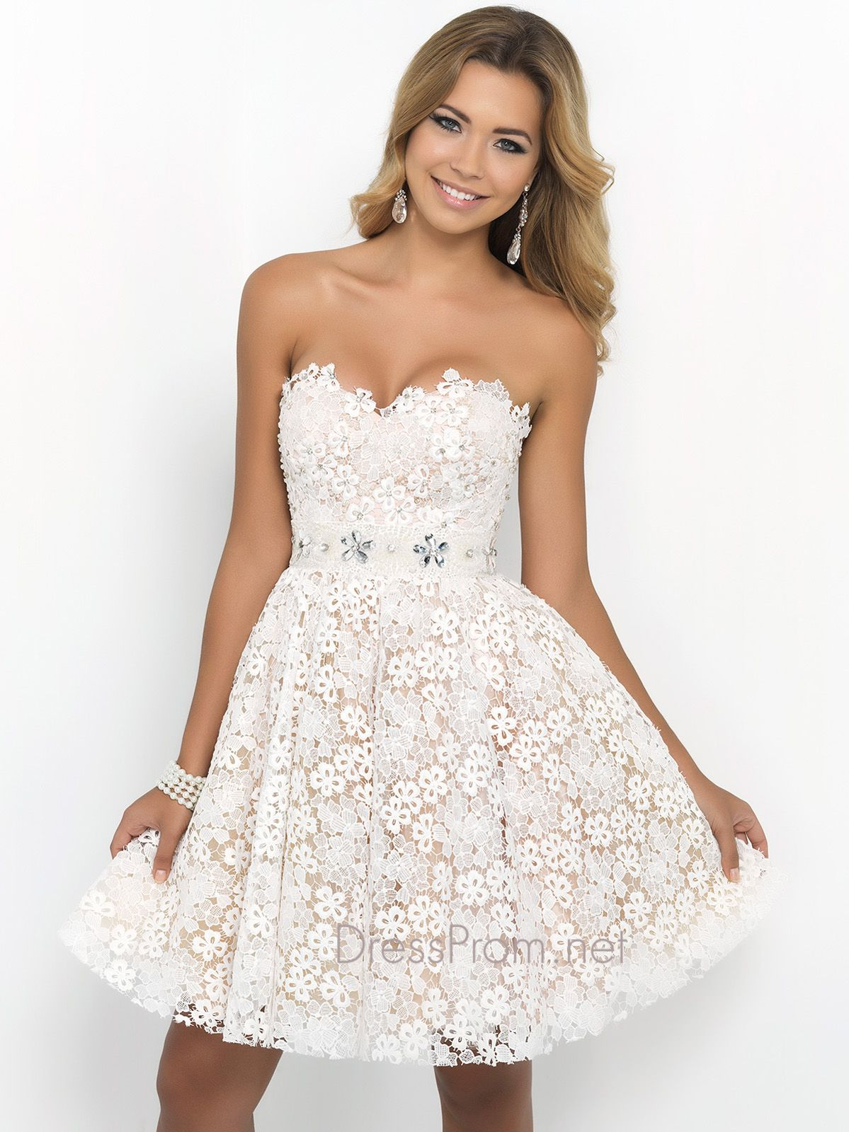 Ideal as a sweet party dress or an adorable prom gown the short