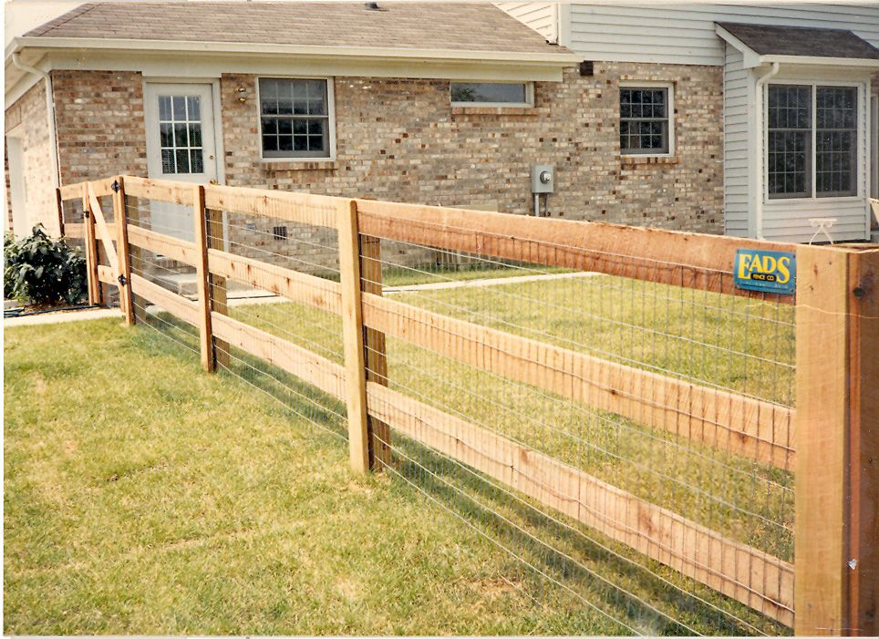 Fence With Wire Nail On Extra Board On Posts To Hold It That Should Work For The Dogs Backyard Fences Fence Design Farm Fence