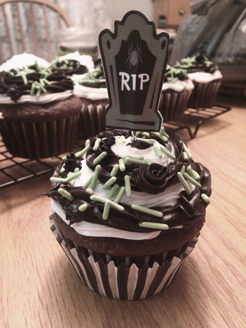 beetlejuice inspired cupcakes halloween - Halloween Inspired Cupcakes