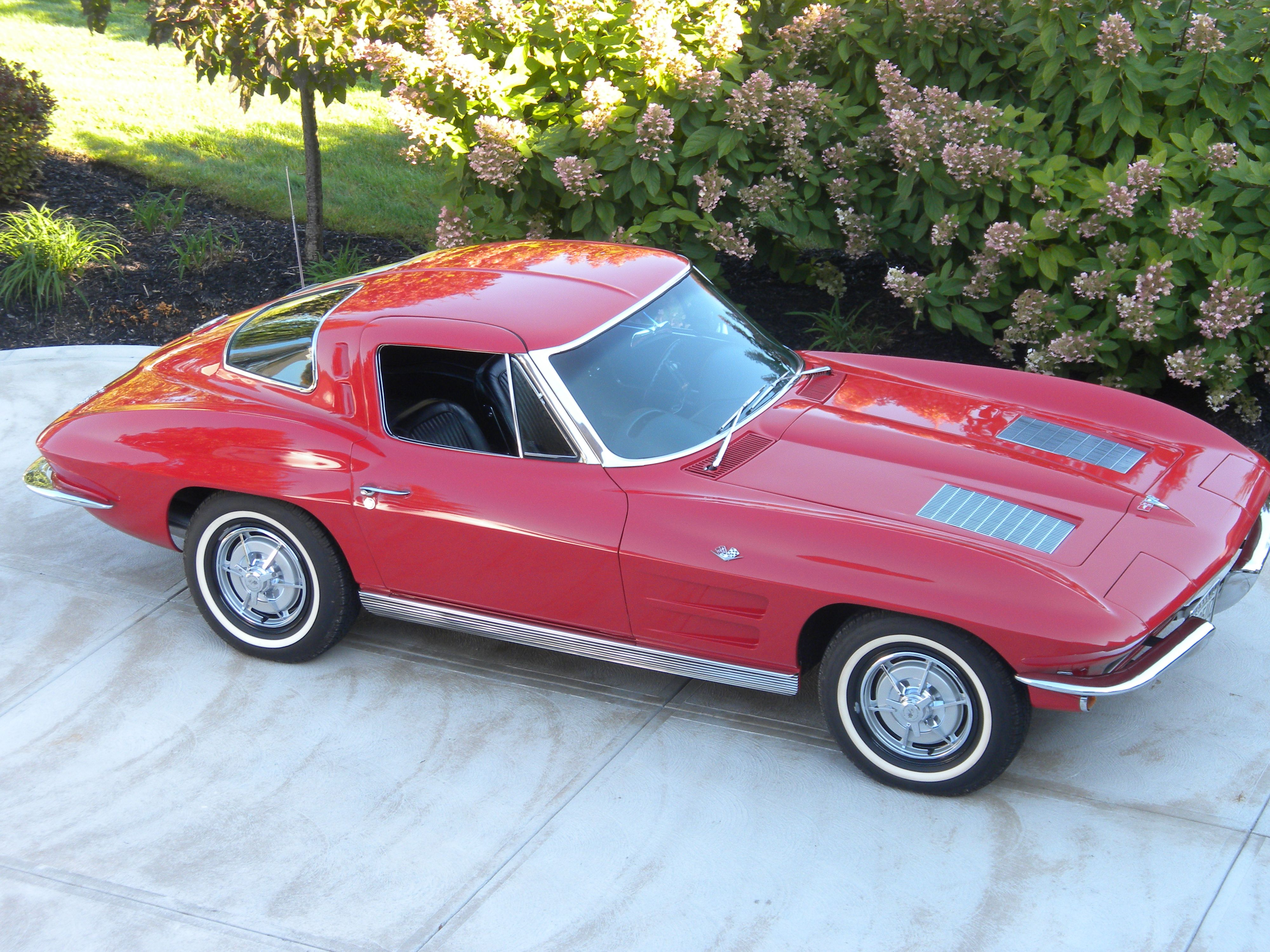 '63 Corvette Coupe had three of these, red, silver blue