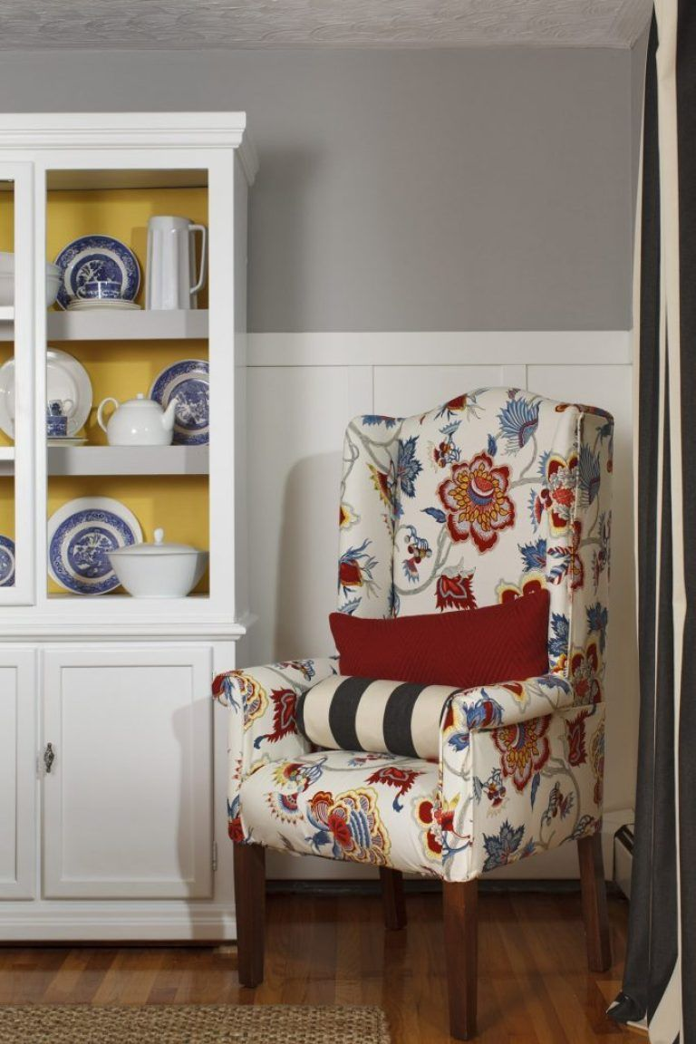 How to reupholster a chair {tutorial + video ...
