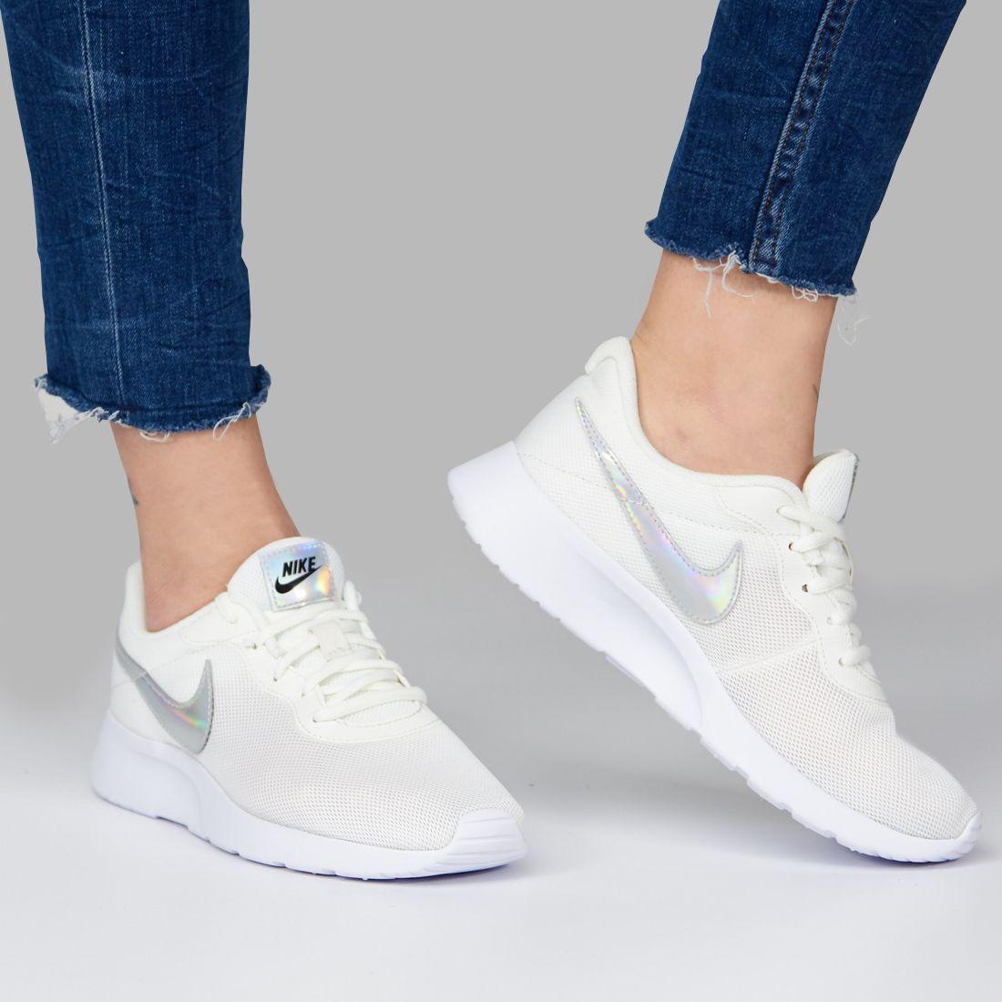 Conflicto Recuerdo Hacer las tareas domésticas  NIKE NIKE TANJUN BLANCO Zacaris zapatos online. | Zapatos deportivos de  moda, Marcas zapatos mujer, Calzado nike