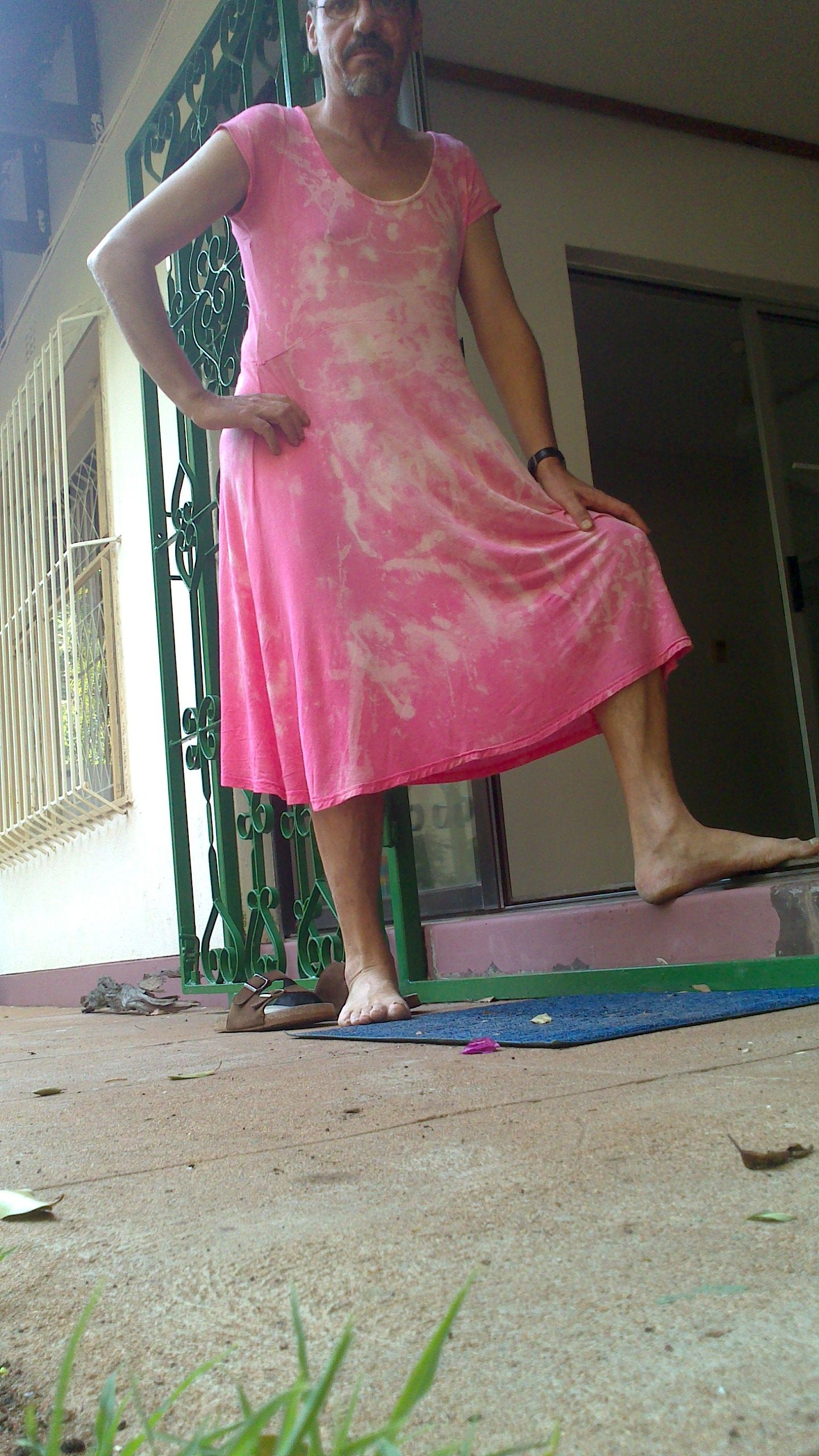 439de1fb My funny summer dress for hot days Summer Humor, Funny Summer, Men Wearing  Dresses