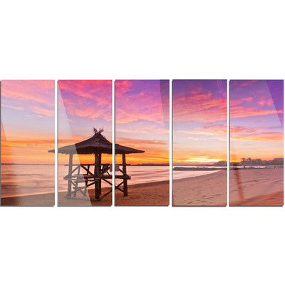 DesignArt 'Lifeguard Station in Beautiful Beach' 5 Piece Photographic Print on Canvas Set