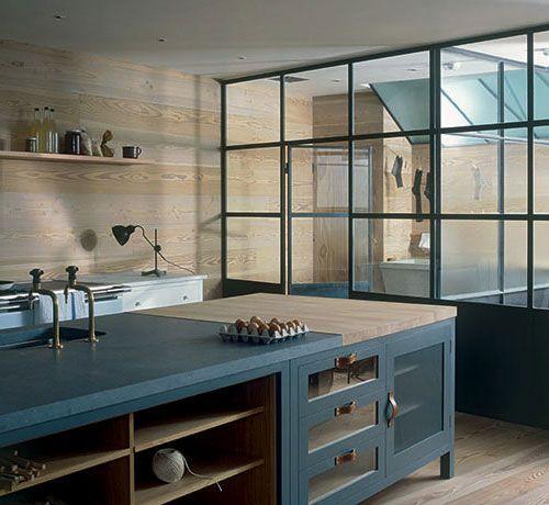wood wall, window separation
