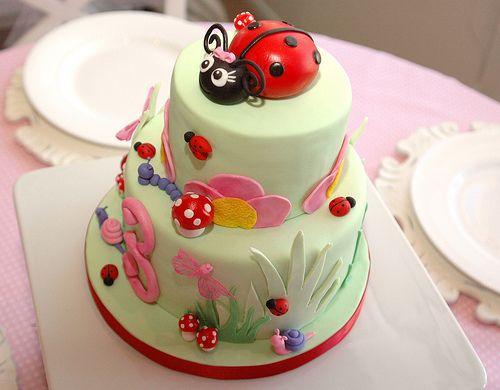 Ladybug garden cake | Unique Kids Birthday Cakes Volume 2 ... on baby ladybug cake, diy ladybug cake, christmas ladybug cake, green ladybug cake,