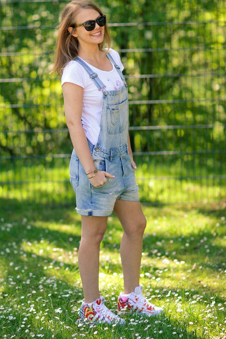 528026e381a ... Overalls by Gary Lopatine. Latzhose  H M Lederjacke  Zara T-Shirt   Impressionen Schuhe  Adidas Photos by