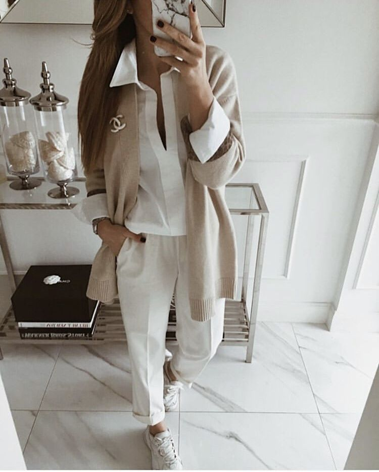 Pin von Alexandra auf Outfits | Jogginghosen outfit, Outfit