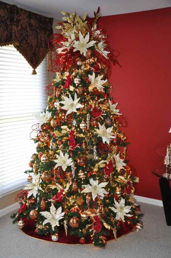 Christmas Tree Beautifully Decorated With Flowers Free Images Of Southern Victorian Decor