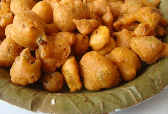 Spring onion pakoda recipe indian food recipes onions and spring onion pakoda forumfinder Image collections