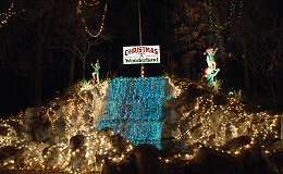 Welcome To Christmas Wonderland Waterfall This Christmas Light Display Features Christmas Wonderland Christmas Light Displays Welcome To Christmas